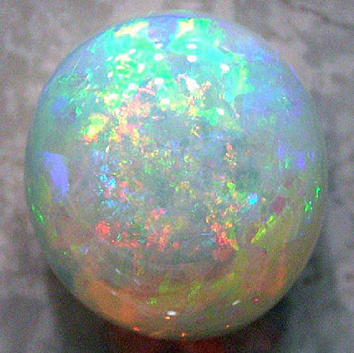 10月の誕生石 オパール